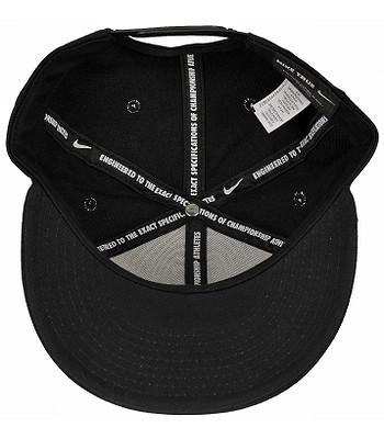 9a69ac28b54 kšiltovka Nike Futura True - Red - 010 Black Black Black White -  snowboard-online.cz