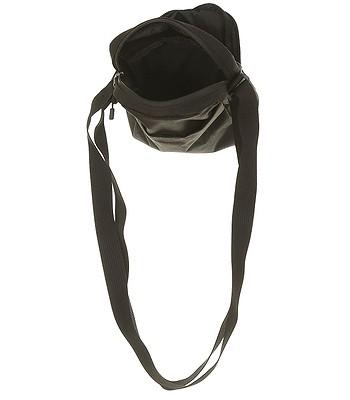 20861e2a22 taška Nike Core Small Items 3.0 - 010 Black Black Black. Na sklade -30%