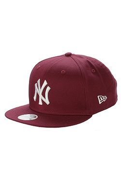 kšiltovka New Era 9FI League Essential MLB New York Yankees - Cardinal 3ed1d82e56