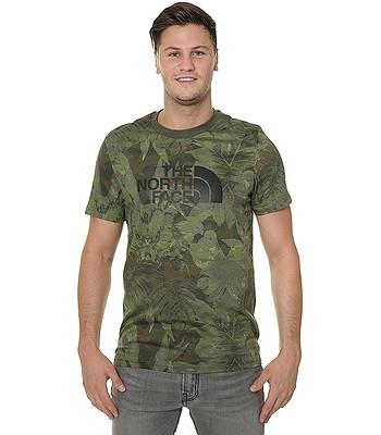 6a5dd494f T-Shirt The North Face Easy - English Green Camo Print - blackcomb ...