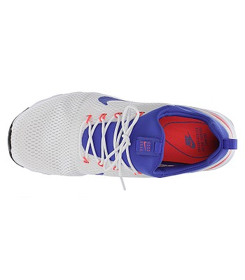 boty Nike Air Max Motion Racer - White Ultramarine Solar Red Off White -  snowboard-online.cz f87a8d547f