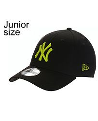 d8e6c2aab67 dětská kšiltovka New Era 9FO League Essential MLB New York Yankees Youth -  Black Cyber
