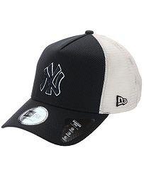 57b337f80 kšiltovka New Era 9FO AF Diamnd Era Truck MLB New York Yankee - Navy/White