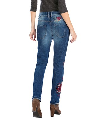 jeans Desigual 57D26B5 Boyfriend Nini - 5053 Denim Medium Wash ... 08a93dca6e