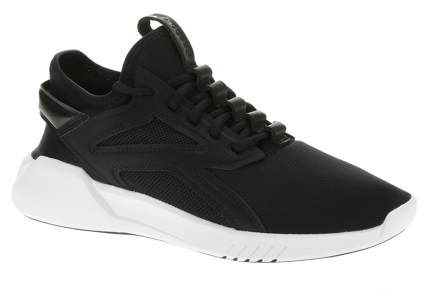 boty Reebok Performance Freestyle Motion LO - Black/Black/White 38.5